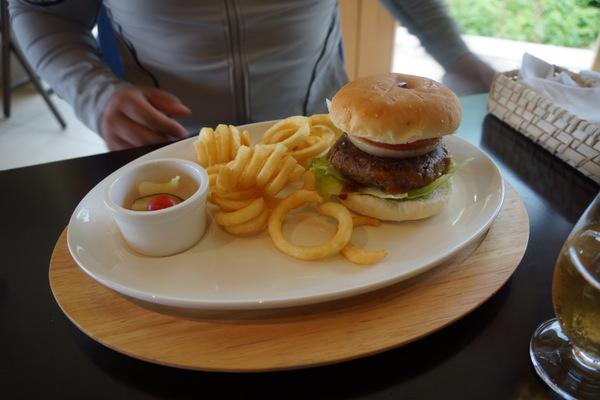 石垣牛のハンバーガー
